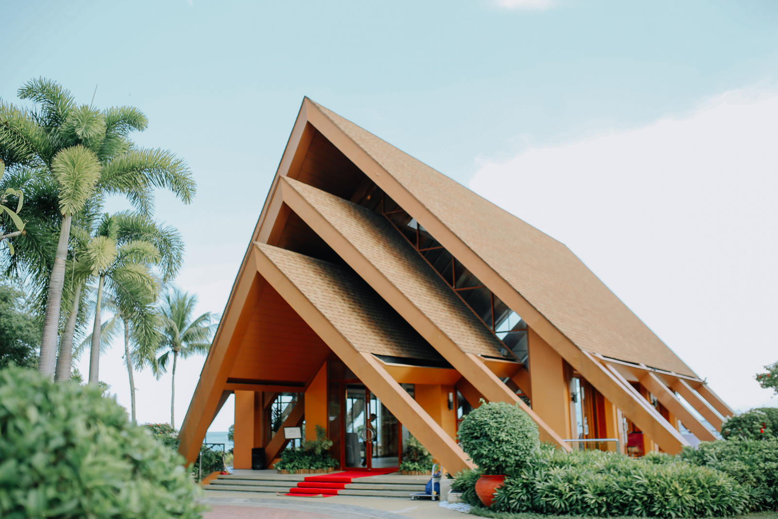 Beach Wedding in Shangrila Mactan